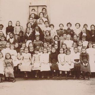 "18.08.1901: Foundation of the College ""Santa Rosa""in Lages, Brazil. Photo: Sisters and Students."